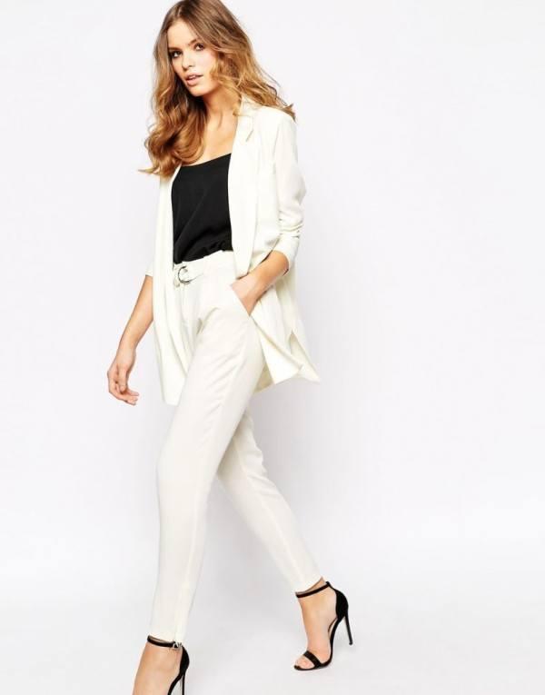 tendencias-blazers-y-americanas-para-mujer-primavera-verano-2015-asos-modelo-blanco-600x765.jpg